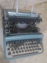 Título do anúncio: Maquina de escrever Olivetti para colecionadores
