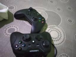 Título do anúncio: Um controle de Xbox  e um warrior