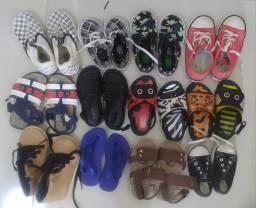 Lote de sapatos infantis, do n. 19 ao 23.