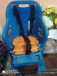 Título do anúncio: Cadeirinha de bicicleta usada.
