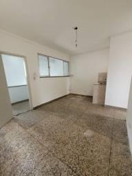 Título do anúncio: Aluguel de apartamento no Centro a 2 quadras da praia