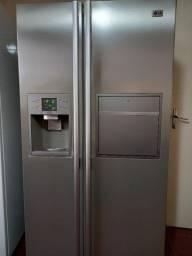 Refrigerador e Freezer LG Side by Side 570L Home Bar Titanium