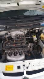Título do anúncio: Chevrolet celta 4 portas