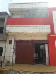 Casa com 300m² Construída , Pratinha II