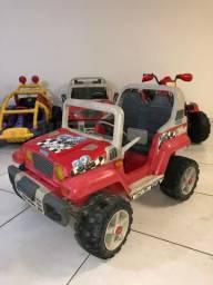 Jeep marca Peg perego. Só R$ 900,00