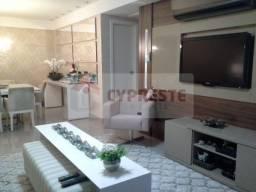 Apartamento à venda no Centro, com 2 quartos. Ref. 10633