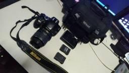Nikon D5100 com duas baterias
