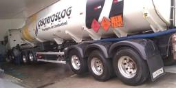 Lavagem e lubrificação de caminhão