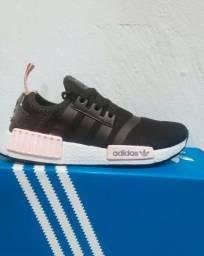 Tênis Adidas NMD preto com cinza