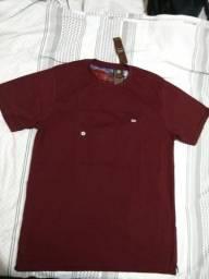 Camisa vermelho vinho