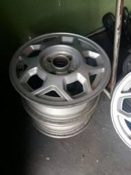 Vendo roda aro 13 sem amassado ou soldas
