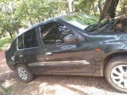 Vendo renor clio Sedan - 2002