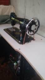 Estou vendendo máquina de costura muito barato
