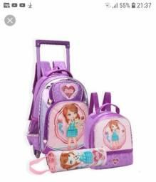 Vendo kit de mochila escolar novo todo embalado