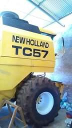 Colheitadeira TC57 2003