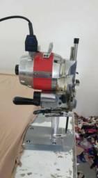 Maquina de Corte Industrial Singer - 110 Volts - Cartão Em 3x - A vista tem desconto