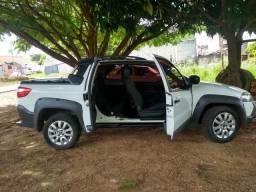 Pick_up Strada Adventure, Cabine dupla - 2014