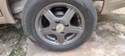 Troco rodas 13 semi novas
