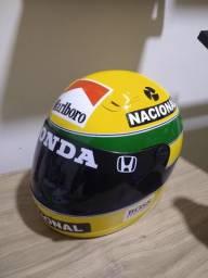 Capacete Senna