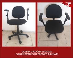 Título do anúncio: Cadeira giratória estofada com encosto ajustável