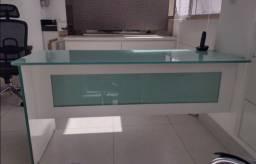 Mesa linda escritório/consultório vidro 10mm e gavetas/armário.