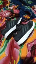 Título do anúncio: Tênis Adidas original ( 39 )