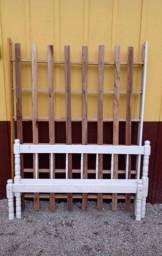 Título do anúncio: Cama de casal, de madeira branca.