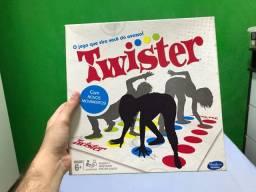 Twister(jogo de galera, party game da Hasbro)
