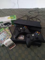 Título do anúncio: Xbox 360 com Kinect e mais 10 jogos em mídia digital