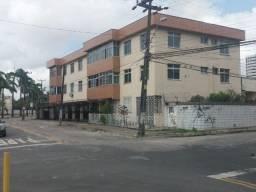 Apartamento 3 quartos com armarios, 1 suite reveresivel, bairro de Fatima Fortaleza Ce