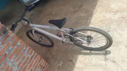 Título do anúncio: Vendo essa bicicleta aro 24