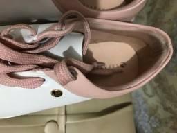 Título do anúncio: Tênis lindo sapatinho de luxo