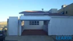 Título do anúncio: Apartamento à venda com 3 dormitórios em Jardim centenário, Poços de caldas cod:659797