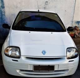 Título do anúncio: Renault Clio Hatch RL 1.0 16V 4p gasolina básico 2002