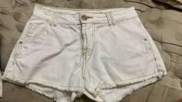 Título do anúncio: shortinho e blusa