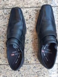 Sapatos mocasim sem uso