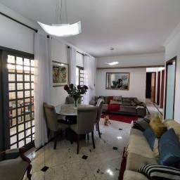 Título do anúncio: Área privativa com três quartos, no Bairro Itapoã.