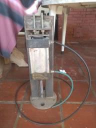 Pistão/Prensa pneumática