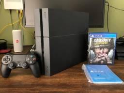PlayStation 4 de 500gb com 4 jogos