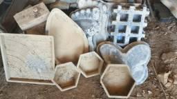 Formas (moldes) para artefatos de cimento (Blocos,pisos, tubos, palanques, mourões)