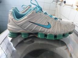 be50c8b20e5 Nike shox 12 molas modelo raro semi novo tamanho 42 43