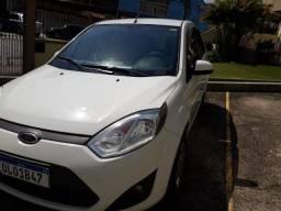 Ford Fiesta 1.6, ano 2012/2013. Todo revisado. Pneus novos - 2013
