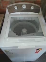 Máquina de lavar usada , semi nova