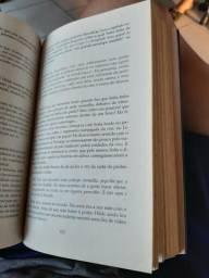 """Livro """"O MUNDO DE SOFIA"""""""