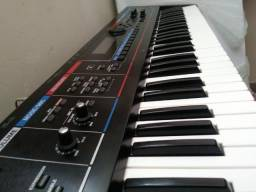 Teclado Roland Juno DI extremamente novo