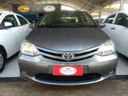 Etios Sedan 1.5 X - 2014