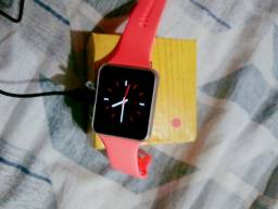Relógio smartwatch no valor de 200 Reais