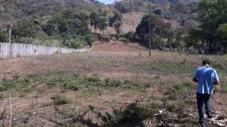 Terreno 3.000 m2 com riacho no sul de Minas Gerais