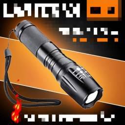 Lanterna tática a prova dágua