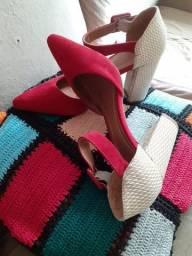 Sapato bico fino vermelho